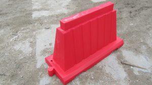 Вкладывающийся водоналивной дорожный барьер 1,2м красный